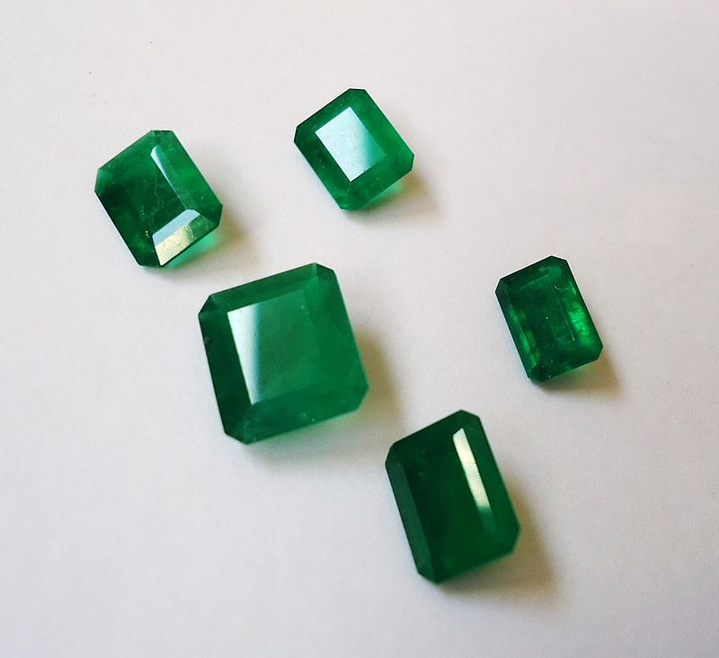 5_Emeralds_from_Colombia