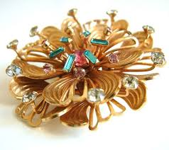 Charming 1940s Gold Vermeil Multi Coloured Rhinestone Flower Brooch